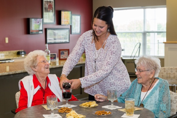 When is the right time to move to a senior living community? | Danbury Senior Living