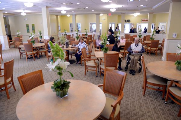 Dining | Danbury Senior Living Columbus