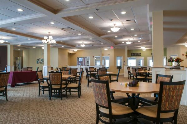 Dining | Danbury Senior Living Tallmadge